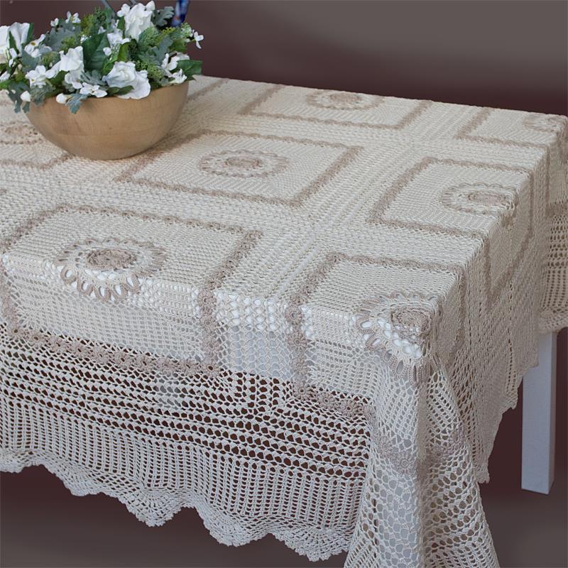 Copritavolo A Uncinetto.Donatella Table Cover Ricami E Pizzi