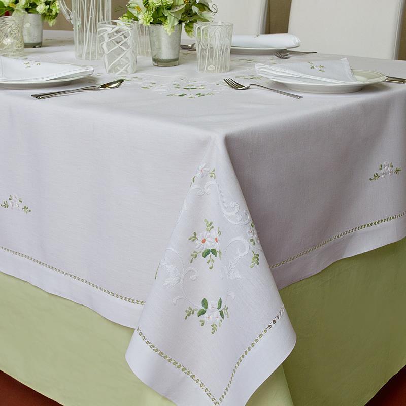 Tovaglia margherite bianche ricami e pizzi - Tovaglie da tavola eleganti moderne ...