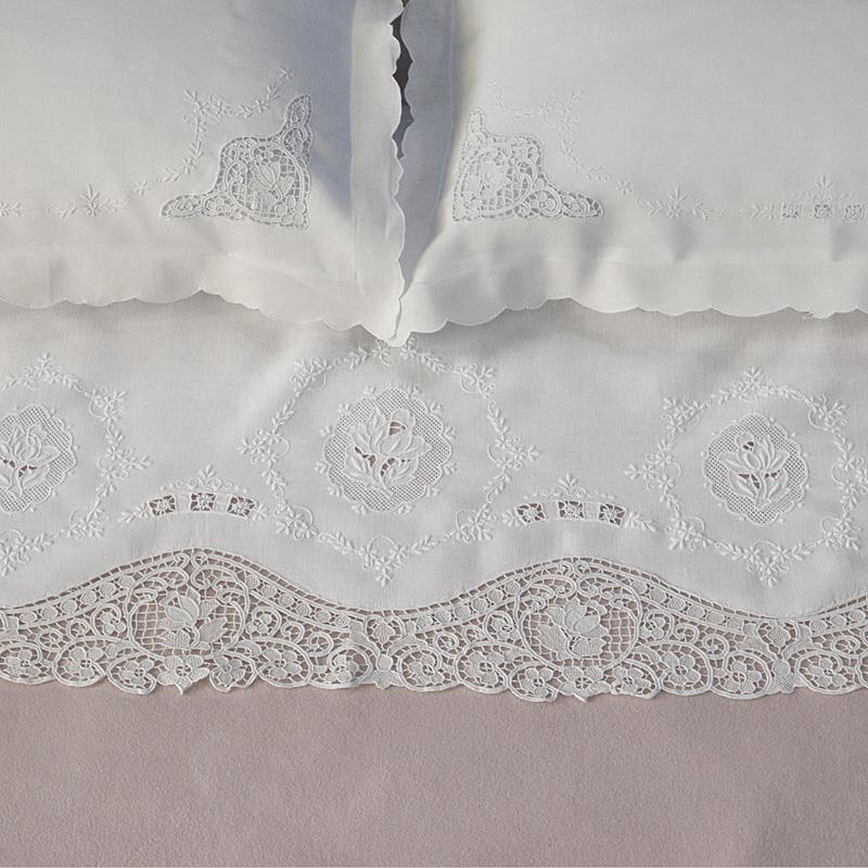 Parure lenzuolo prezioso ricami e pizzi - Biancheria per il letto on line ...